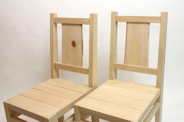 画像1: 10脚限定!青森ヒバの背板が個性的な「椅子」 (1)